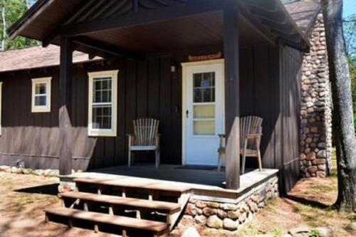 porch cabin8