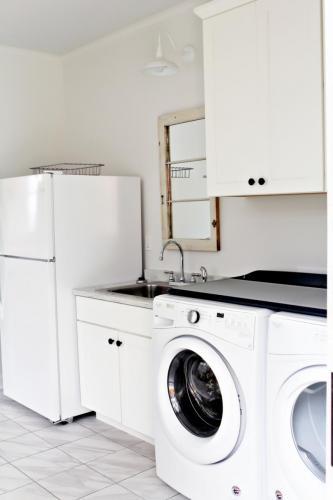 laundry room//mud room